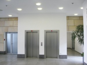 Eingangshalle Aufzugsgruppe